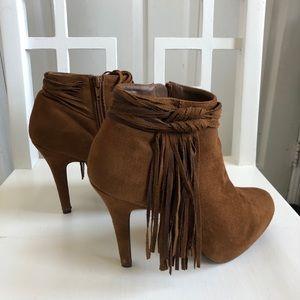Madeline Girl Tan Fringe Booties Boots 8.5